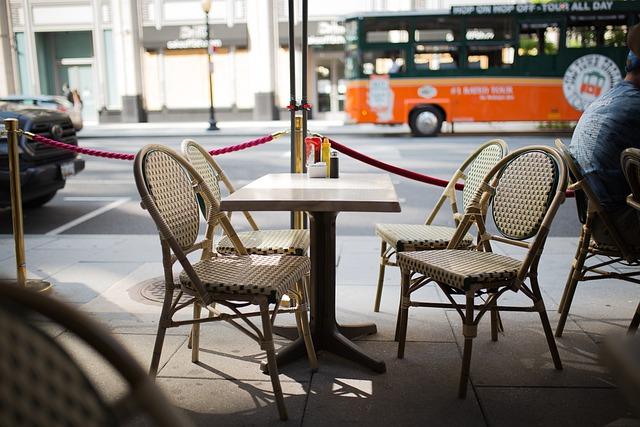 chaise restaurant